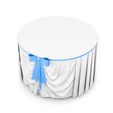 Biały tablecloth z błękitnym łękiem na białym tle 3d Obraz Royalty Free