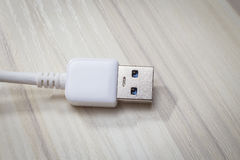 Biały usb 3 (0) kabli z mikro b włącznikiem Fotografia Stock
