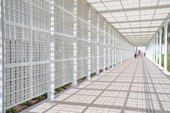 Biały wejście Abu Dhabi louvre muzeum Zdjęcia Royalty Free