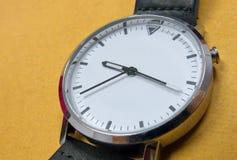 biały zegarek zdjęcie stock