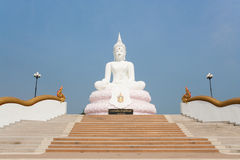 Biała Buddha statua Zdjęcia Stock