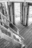 Biała drewniana rotunda z wiele drzwiami Fotografia Royalty Free