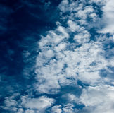 białe chmury Zdjęcia Royalty Free