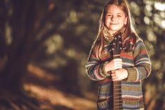 białe dziewczyny gitara izolaty young Zdjęcia Royalty Free