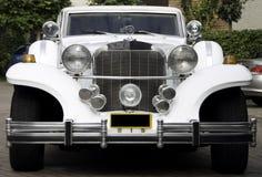 Biała excalibur limuzyna, frontowa strona Zdjęcia Stock