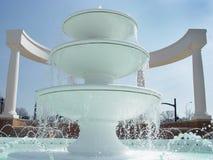 Biała fontanna Zdjęcie Royalty Free