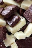 Biała i ciemna porowata czekolada Zdjęcia Royalty Free