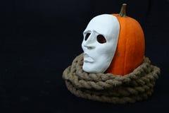 Biała theatrical maski pozycja na zmroku Obrazy Royalty Free