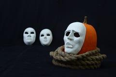 Biała theatrical maski pozycja na zmroku Obraz Royalty Free