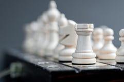 Biały drewniany szachy Zdjęcia Royalty Free
