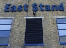 Biały jelenia pas ruchu - Tottenham raptusa stadium Zdjęcie Royalty Free