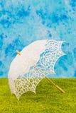 Biały koronkowy parasol Fotografia Stock