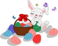 Biały kreskówka królik z jajkami royalty ilustracja