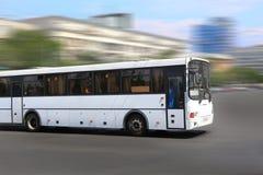 Biały miasto autobus Zdjęcia Stock