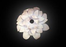 Biały papierowy kwiat na czarnym tle Handmade tworzenie Obraz Stock