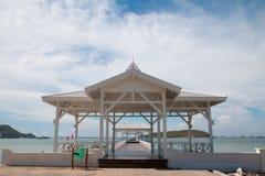 Biały pawilon obok morza Obrazy Royalty Free