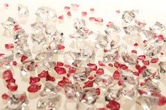 biały szklani plastikowi purpurowi kamienie Zdjęcie Royalty Free