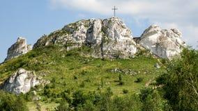 Biaklo - monte mais inlier situado no upland de Cracow Czestochowa no Polônia imagem de stock