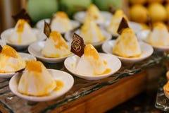 Biali Arabscy cukierki dla Międzynarodowej lunchu bufeta linii Obraz Stock