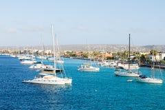 Biali jachty Cumujący w Bonaire Obraz Royalty Free
