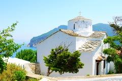 Biali kościół Skopelos miasteczko, Grecja fotografia royalty free