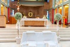 Biali kwiaty w kościół Fotografia Royalty Free