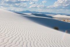 Biali piaski dezerterują krajowego zabytku piaska diuny shaps przy Tularosa Basenowy Nowym - Mexico, usa zdjęcia royalty free