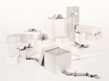 Biali prezentów pudełka z srebnymi łękami odizolowywającymi na białym tle Obraz Royalty Free