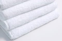 biali ręczniki fotografia stock