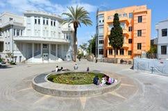 Bialik fyrkant i Tel Aviv - Israel Royaltyfria Foton