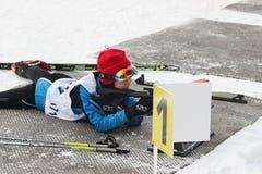 bianca изумительная зима спорта конкуренций biathlon спортсмена стоковые изображения rf