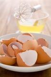 Bianchi d'uovo grezzi Fotografia Stock Libera da Diritti