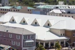 Bianco d'acciaio del tetto Fotografie Stock Libere da Diritti