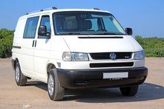 Bianco del passaggio di Volkswagen T4 2001 Immagine Stock Libera da Diritti