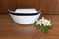 Bianco dell'infermiere del cappello e fiori di hortensis di Millingtonia Fotografia Stock Libera da Diritti