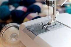 Bianco della macchina per cucire Fotografia Stock Libera da Diritti