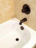 bianco di modello di lusso interno domestico della vasca da bagno Fotografie Stock Libere da Diritti