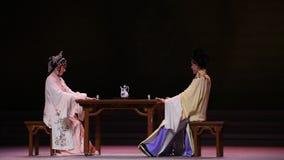 """ bianco di Opera""""Madame Snake†della bevanda-Kunqu della moglie e del marito stock footage"""