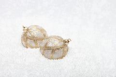Bianco ed ornamento di Natale dell'oro Fotografie Stock