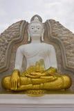 Bianco ed oro Buddha immagine stock