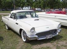 1957 bianco Ford Thunderbird Hardtop Convertible Immagini Stock