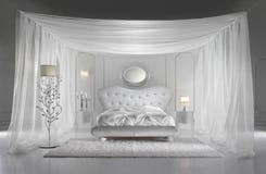 bianco lussuoso della camera da letto Fotografie Stock Libere da Diritti