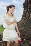 bianco a piedi nudi attraente del terreno della cava della signora Immagini Stock Libere da Diritti