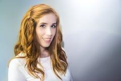 bianco sorridente isolato ragazza Fotografia Stock