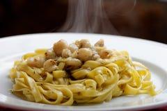 Bianco vongole alla Linguine, итальянская кухня стоковое изображение