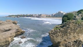 Biarritz domkyrkakust Rocky Panorama Slowmotion Aerial 4k stock video