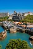 Biarritz - Kirche und Laube Stockbild