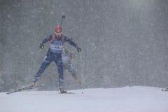 Biathlon en la nieve - Barbora Tomesova Imagen de archivo