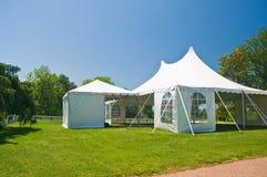 biały namiot trawnika stron Obrazy Stock