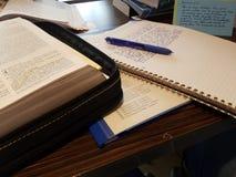 bibbia della lettura Fotografia Stock Libera da Diritti